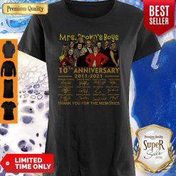 Top Mrs. Brown Boys 10th Anniversary 2011 2021 Thank You For The Memories Signatures Shirt