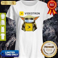 Top Star Wars Baby Yoda Hug Videotron Mask Covid-19 Shirt