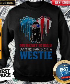 Top Happy The 4th Of July My Heart Is Held By The Paws Of A Newfoundland Sweatshirt