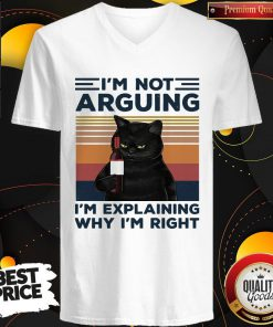 Pro Black Cat I'm Not Arguing I'm Explaining Why I'm Right Vintage Retro V-neck