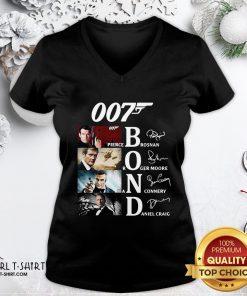 Hot James Bond 007 Pierce Brosnan Roger Moore Sean Connery Daniel Craig Signatures V-neck - Design By Girltshirt.com
