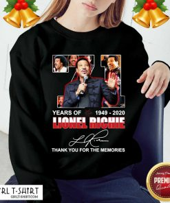Lionel Richie 71 Years Of 1949 2020 Thank You For The Memories Signature Sweatshirt- Design By Girltshirt.com