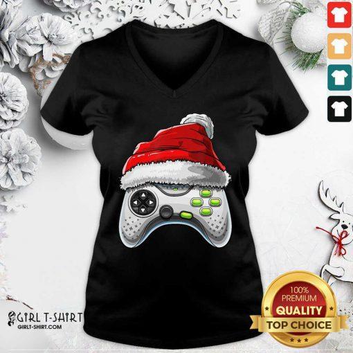 Video Game Controller Santa Hat Christmas V-neck - Design By Girltshirt.com