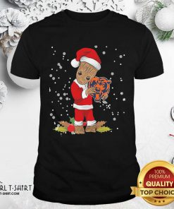Santa Baby Groot Hug Chicago Bears Christmas Shirt - Design By Girltshirt.com