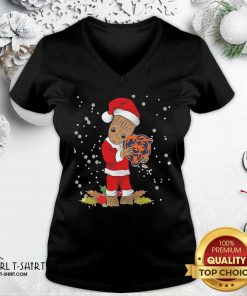 Great Santa Baby Groot Hug Chicago Bears Christmas V-neck- Design By Girltshirt.com